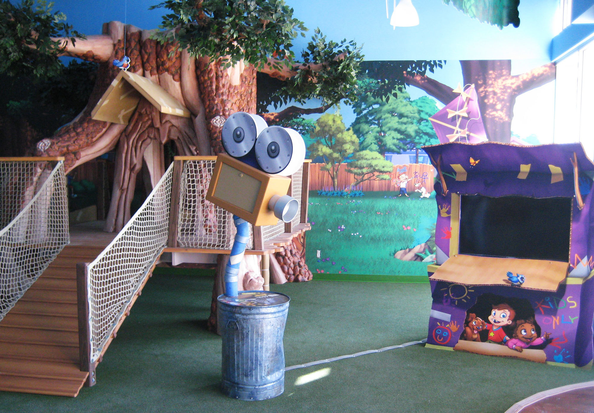 Treehouse and Neighborhood Themed Environment at Ashley's Playhouse