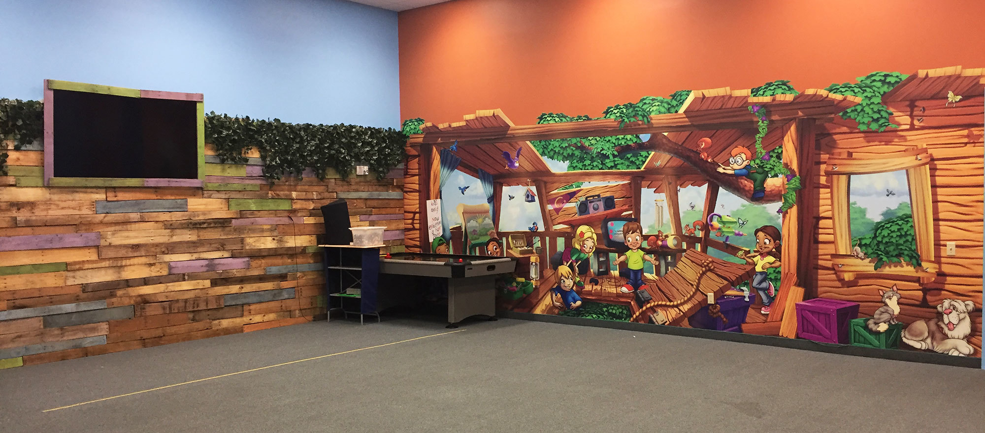 Treehouse Themed Wallcovering at Meadowbrook Church